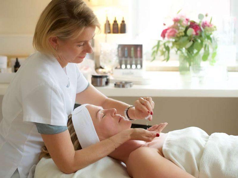 Erleben Sie die Kunst präziser Hautpflege!